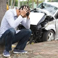 تصادف بدون گواهینامه