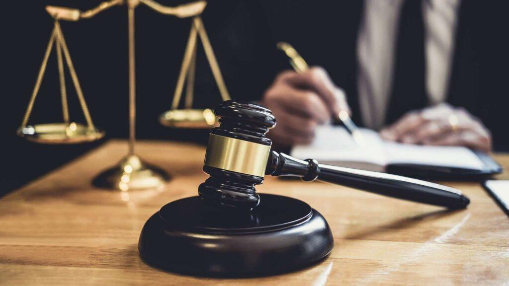 وکیل حقوقی قراداد ها